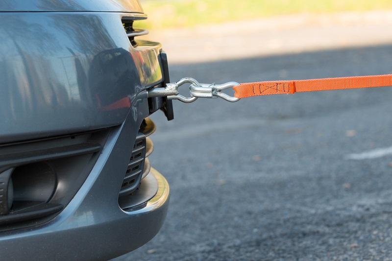 Zasady prawidłowego holowania pojazdów